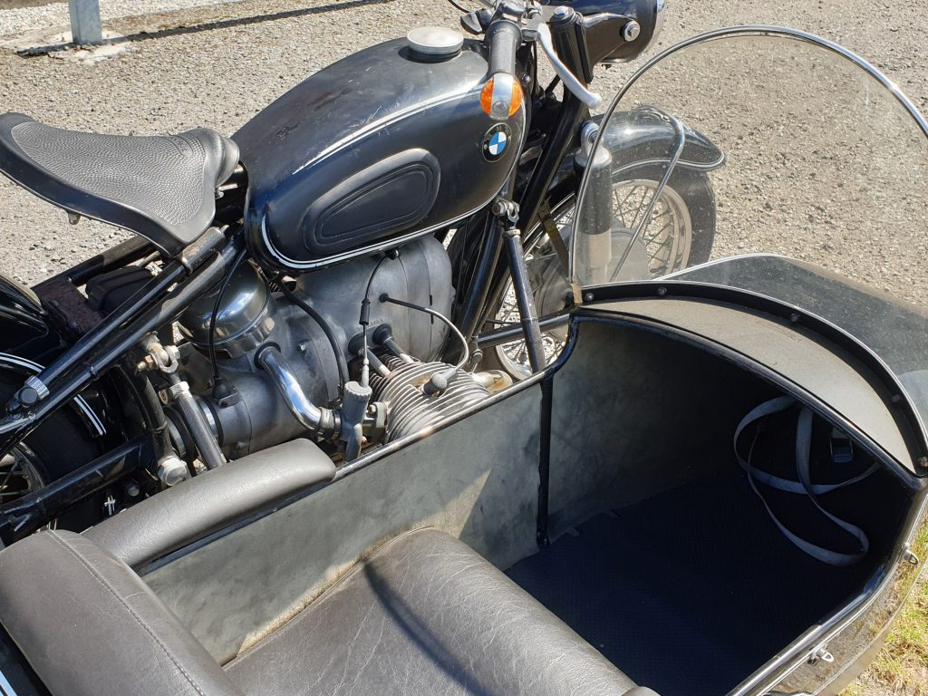 BMW R50/2 Hollandia zijspan bak